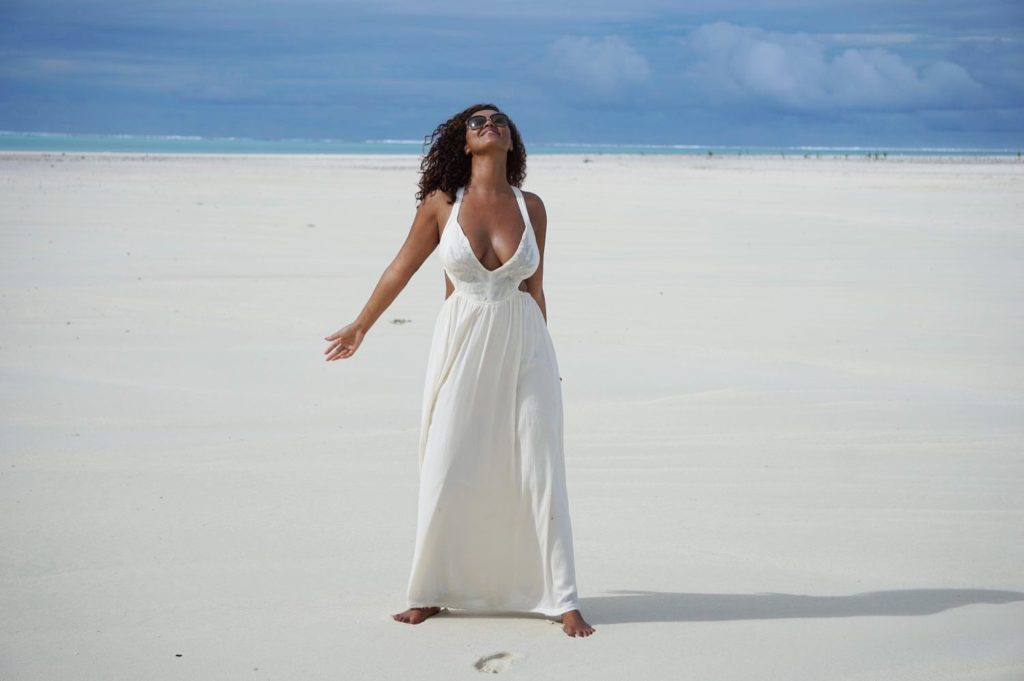 aitutaki-lagoon-rachel-ritfeld-cook-islands-model